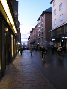 Great transit contributes visibly to quality of life. In dense central districts, like here on Södermalm, streets are quiet and crowded with pedestrians.